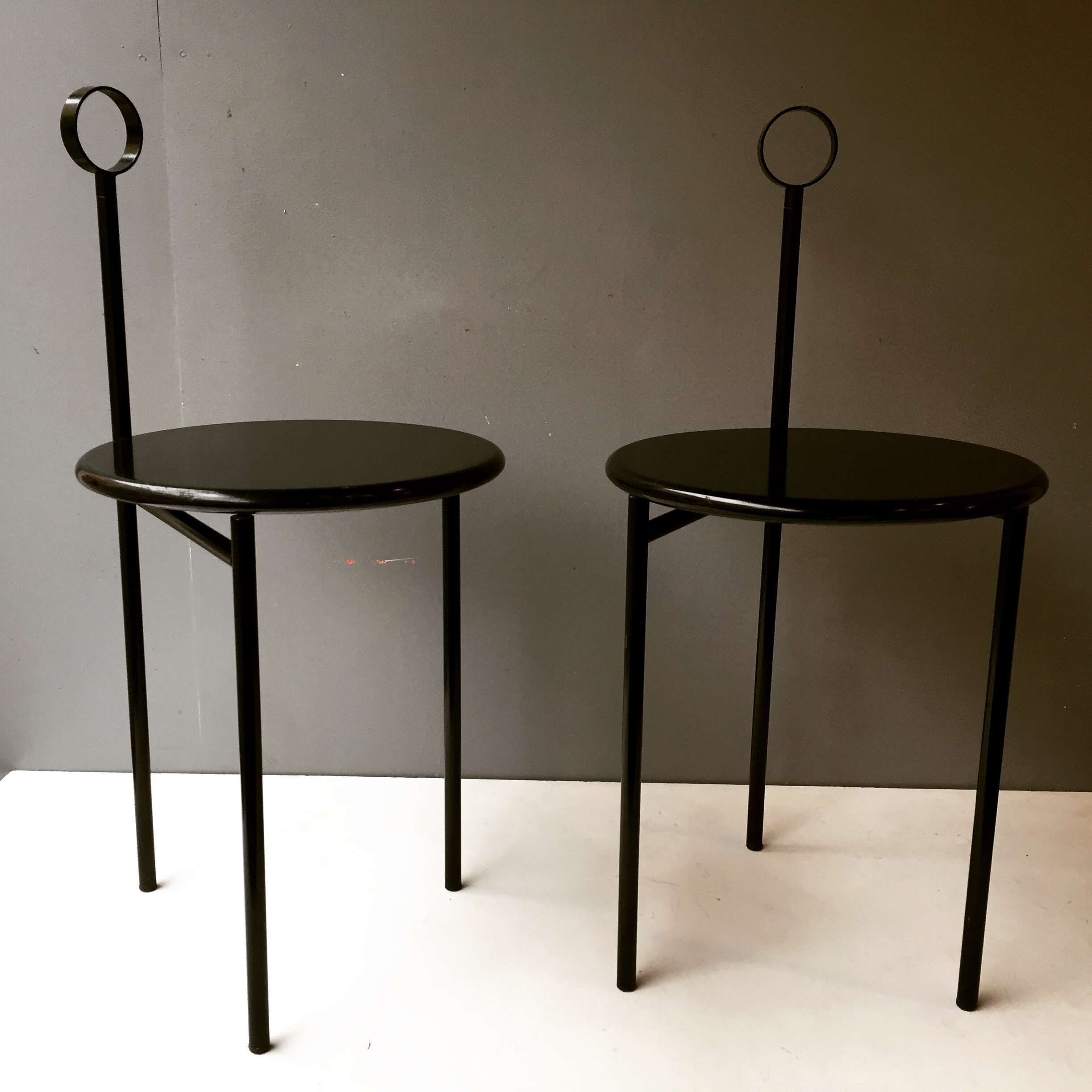 chaises mickville philippe starck ed driade 1982 paul bert serpette. Black Bedroom Furniture Sets. Home Design Ideas