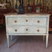 18th century Italian painted chest of drawers