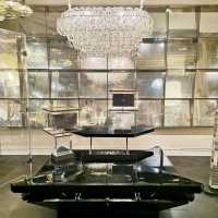 Panel of mirrors Luster Giogali by Angelo Mangiarotti Petals Table from Maison Jansen