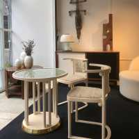 Josef Hoffmann, Fledermaus chairs and pedestal table. Wittmann edition.