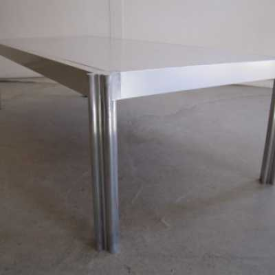Ciancimino-aluminum-mobilierinternational-table-low