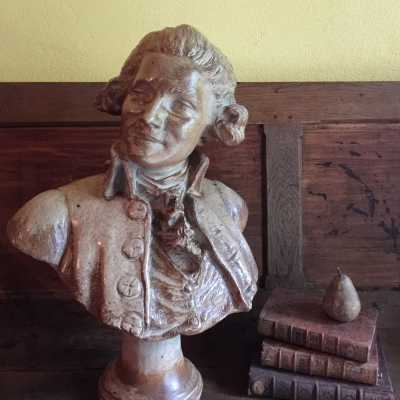 Sandstone Bust of Young Aristocracy at Catogan - Marquis Of Lafayette - End XIXth Early XVIIIth