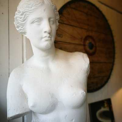 Academic plaster, reproduction of the Venus de Milo